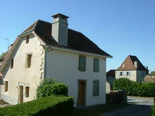 Wonderful 4 bedroom Susmiou Farmhouse Barn with Internet Access - Susmiou vacation rentals