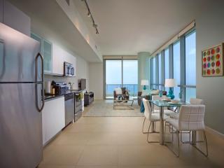 Deluxe Ocean Front 1br w/balc & WiFi - Miami vacation rentals