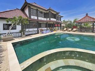 Huge 5 bed spa villa with breathtaking views - Jimbaran vacation rentals