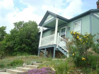 HISTORIC HOME: VIEWS, ATTRACTIONS, SKIING, RAFTING - Central City vacation rentals