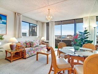 Ocean View End unit Royal Kuhio Condo, Great Amenities, Free Parking!! - Honolulu vacation rentals