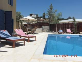 Sunny 3 bedroom Villa in Geroskipou - Geroskipou vacation rentals