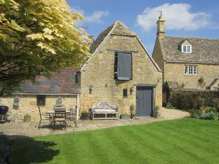Popfosters Barn - Chipping Campden vacation rentals