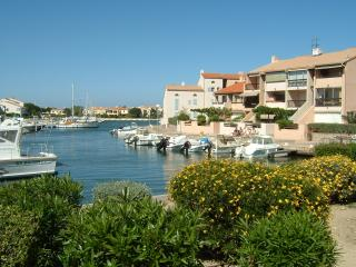 French West facing Apartment on Marina near Beach - Pyrenees-Orientales vacation rentals