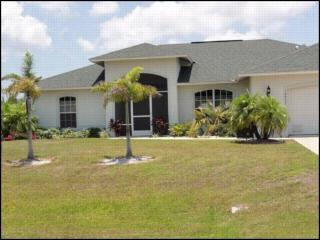 SAILBOAT ACCESS! DOG FRIENDLY! HEATED POOL/SPA149 - Port Charlotte vacation rentals