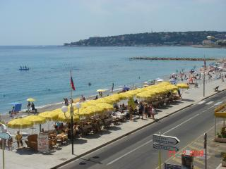 Sea view holiday apartment rental on the French Riviera with balcony, sleeps 4 - Menton vacation rentals