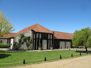 Bright 5 bedroom House in Old Hunstanton with Internet Access - Old Hunstanton vacation rentals