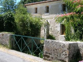 Perfect 3 bedroom Cottage in Jonzac - Jonzac vacation rentals