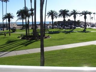 3 bedrooms - On the Beach! Up to 8 people - Newport Beach vacation rentals
