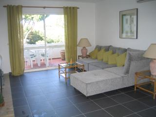 PENTHOUSE WITH AIR CON AND BIG TERRACE - SOLAR G. - Vilamoura vacation rentals