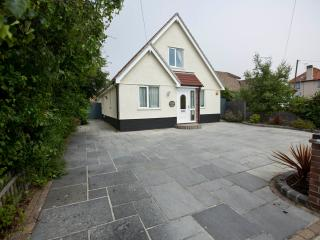 5 bedroom House with Internet Access in Walton-on-the-Naze - Walton-on-the-Naze vacation rentals