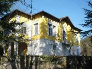 Spacious Villa with Balcony and Microwave - Spigno Monferrato vacation rentals