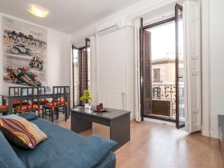 Aparment center historic Mayor/ Sol 3 bedrooms balcony - Madrid Area vacation rentals