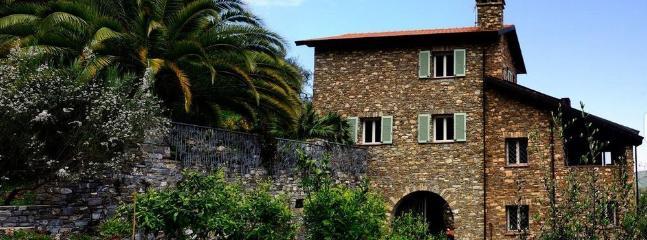 Ulivi e Relax, Camera Verde Oliva - Andora vacation rentals