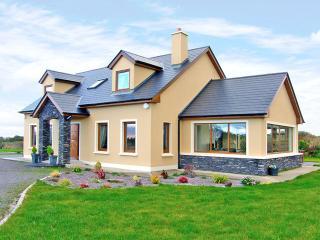 Cozy 3 bedroom Killarney House with Parking Space - Killarney vacation rentals
