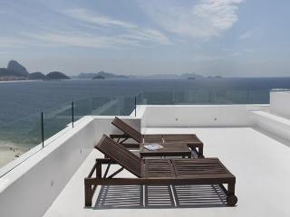 COPACABANA 3 SUITE OCEANFRONT LUXURY PENTHOUSE - Rio de Janeiro vacation rentals
