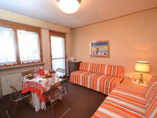 Delizioso appartamentino in centro. - Limone Piemonte vacation rentals