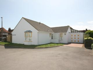 Nice Bungalow with Microwave and Satellite Or Cable TV - East Wittering vacation rentals