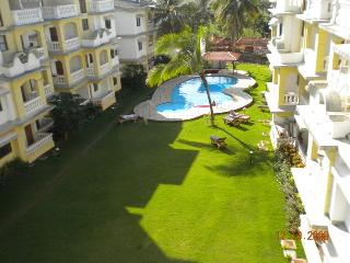 Luxury 1 Bedroom Penthouse Apartment with 2 Balconies & Shared Swimming Pool - Varca vacation rentals