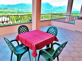 A/4 One-Bedroom Apartment Lake View Terrace 4 Pers - Manerba del Garda vacation rentals