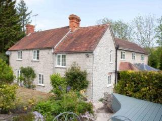 Delford Cottage nr Bath, Salisbury and Stonehenge - Mere vacation rentals