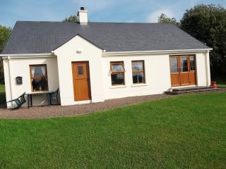 4 star cottage with private berth (free wi-fi) - Kesh vacation rentals