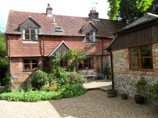 2 bedroom Cottage with Internet Access in East Meon - East Meon vacation rentals