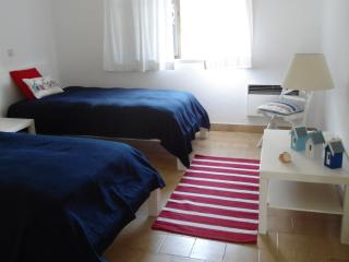 2 bedroom Apartment with Internet Access in Albufeira - Albufeira vacation rentals