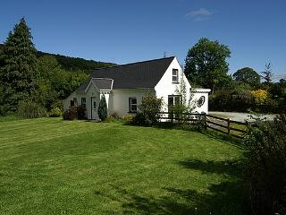 Cozy 3 bedroom Kenmare Farmhouse Barn with Television - Kenmare vacation rentals