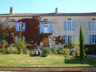 Domaine du Chatenet - Riberac vacation rentals