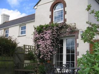 Lovely 4 bedroom Farmhouse Barn in Holsworthy with Internet Access - Holsworthy vacation rentals