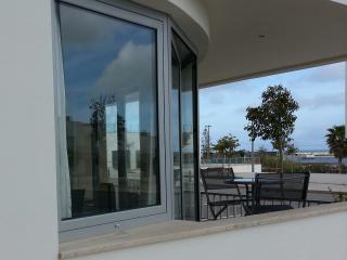 Fuseta Modern 2 Bedroom Apartment with Sea View - Fuzeta vacation rentals