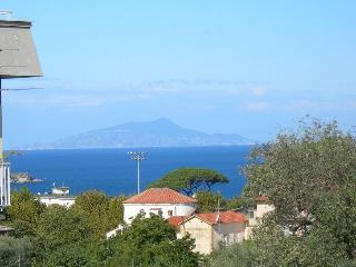 2 bedroom Apartment with Internet Access in Sorrento - Sorrento vacation rentals