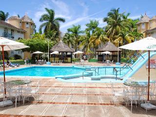 Ocho Rios sandcastles D12 WI/FI - Ocho Rios vacation rentals