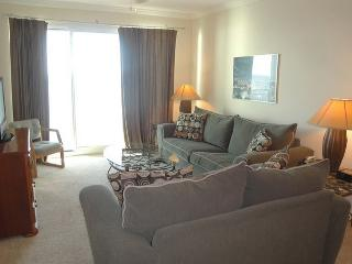 Beautiful 2 Bedroom 2 Bath condo with a Bonus Room perfect for families! - Gulfport vacation rentals