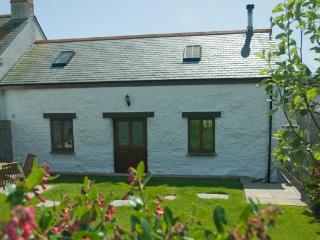Cobb Barn - Crantock Village Centre - Crantock vacation rentals