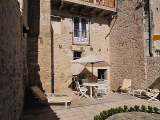 2 bedroom Townhouse with Internet Access in Castelnau-Montratier - Castelnau-Montratier vacation rentals