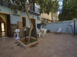 Casa Maria - low budget apt. for max 4 persons - Altavilla Milicia vacation rentals