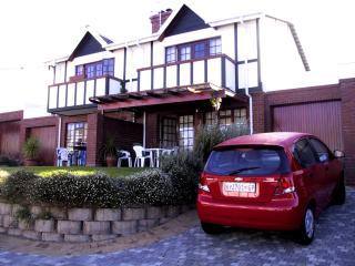 10 Stratford Village - Somerset West vacation rentals