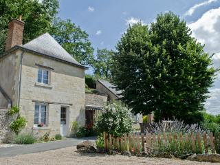 Charming 3 bedroom Vouvray Cave house with Internet Access - Vouvray vacation rentals