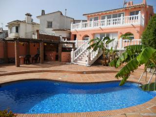 Villa Perri: 3 bed villa near  Puerto Banus - Puerto José Banús vacation rentals