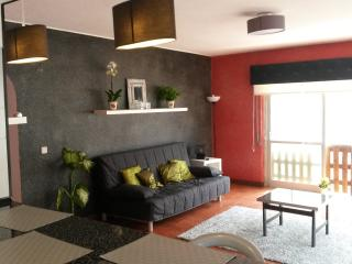 CENTRAL APT 1 MIN TO BEACH Free Park - Costa de Lisboa vacation rentals