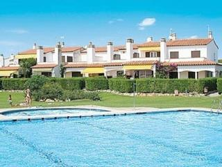 VACATION HOME WITH POOL AND 100 METERS FROM THE BE - L'Estartit vacation rentals
