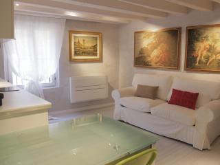 Casa Vittoria and Vicolo Colomba apartment few steps from the Arena - Verona vacation rentals