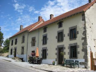 Meadow View Gite - Large rural cottage (4 bedroom) - Janaillat vacation rentals