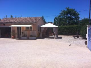 1 bedroom B&B with Internet Access in Vaison-la-Romaine - Vaison-la-Romaine vacation rentals