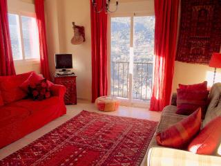 Ideal location, stunning views, free wifi, parking - Guejar Sierra vacation rentals