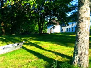 Beautiful House with Internet Access and Cleaning Service - New Durham vacation rentals