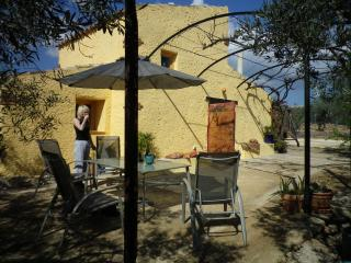 Nice 1 bedroom Cottage in L'Ampolla with Internet Access - L'Ampolla vacation rentals