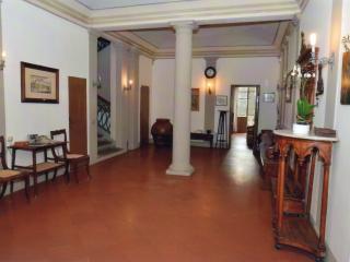 Antico palazzo del 1800 nel cuore della Toscana - Cerreto Guidi vacation rentals